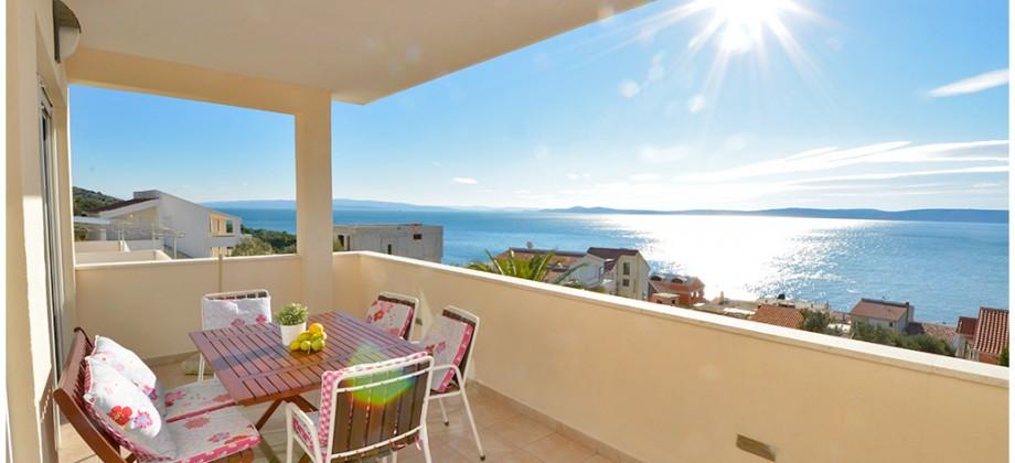 Čiovo, prekrasna komforna kuća 4 red od mora s neodoljivim otvorenim pogledom na more!