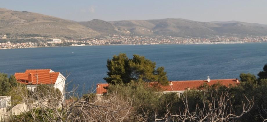 Otok Čiovo, građevinsko zemljište sa pogledom na more!