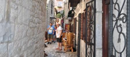 Sniženo! Kamena kuća u centru Trogira