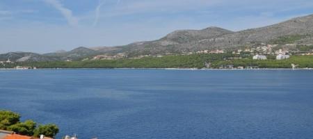 Eksluzivna prodaja Okrug Donji, kuća drugi red od mora sa otvorenim pogledom na more!