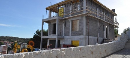 Novoizgrađena vila u blizini Rogoznice