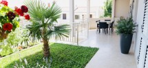 Trogir, Okrug Gornji prodaje se apartmanska kuća na južnoj strani otoka Čiova