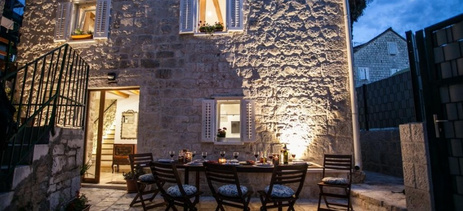 Luksuzna kamena kuća u centru Trogira