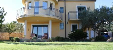 Čiovo / Slatine – Obiteljska kuća s 5 spavaćih soba i 5 kupaonica s pogledom na more