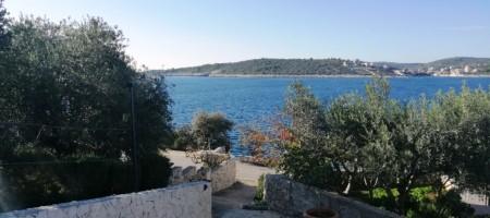 Sevid, kuća na prodaju drugi red od mora