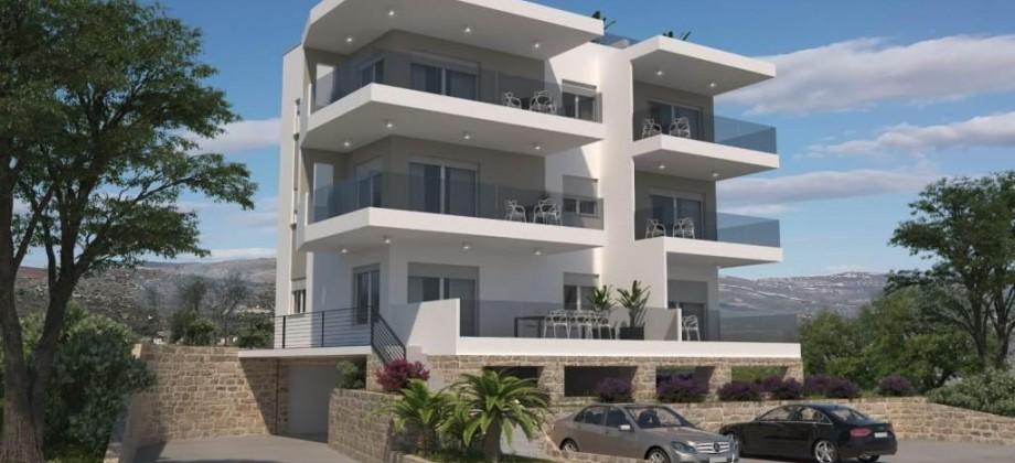 Penthouse apartman sa privatnom krovnom terasom i otvorenim pogledom na more!