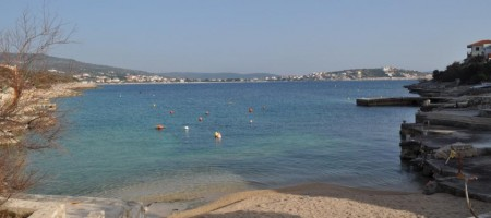 Građevinsko zemljište drugi red od mora, predivan pogled na more!